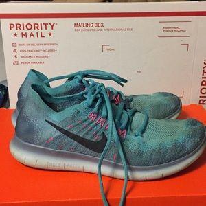 Nike RN Flyknit 2017 Women's Chlorine Blue SZ 9.5